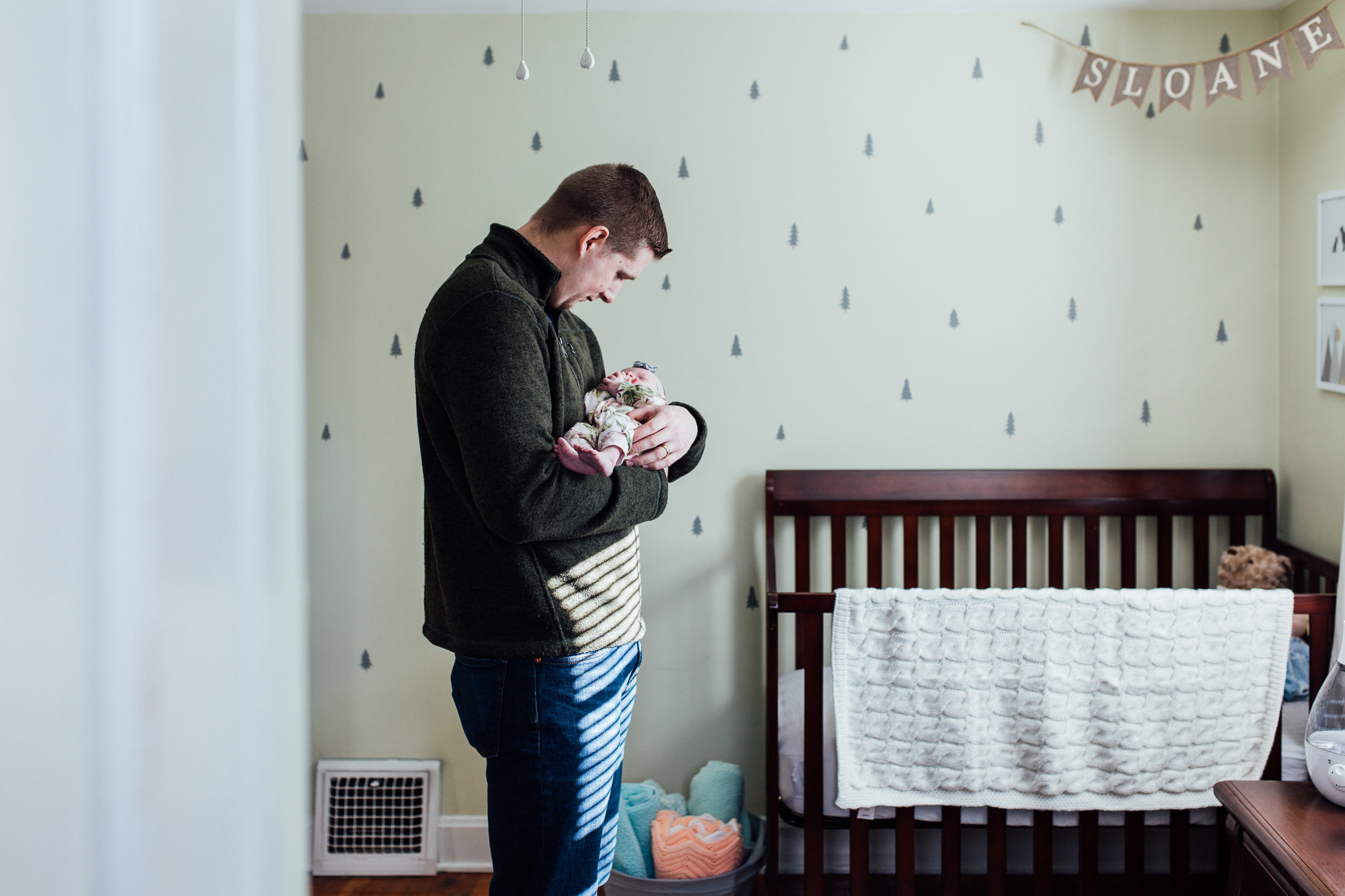 Cleveland, Ohio // Lifestyle Newborn Photographer // Carrie Hall Photography