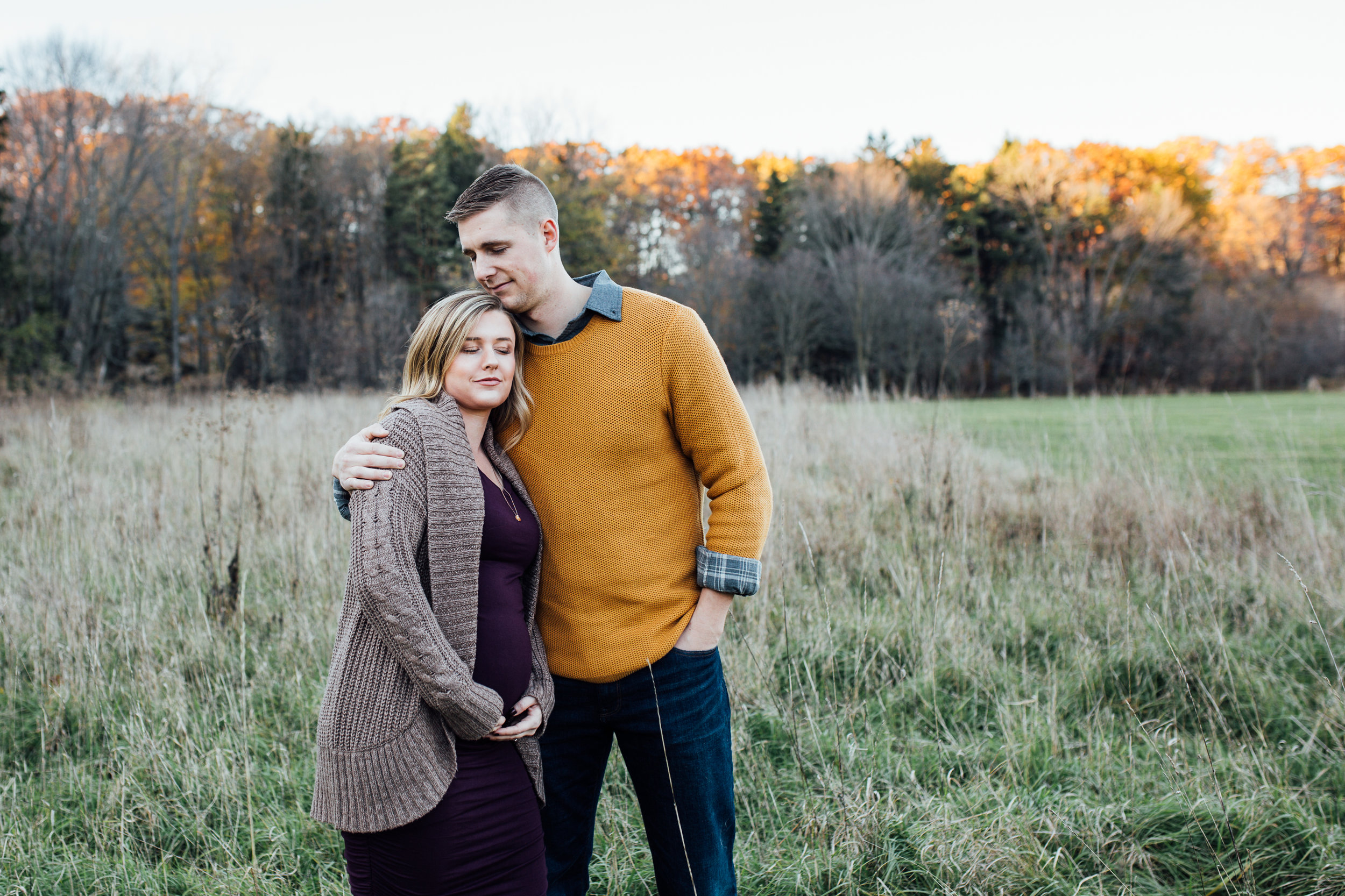 Carrie Hall Photography    Cleveland, Ohio    Maternity Photographer