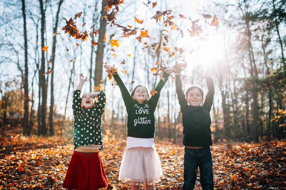 Carrie Hall Photography // Cleveland, Ohio Fall Family Sessions // Rocky River, Ohio; Fairview Park, Ohio; Westlake, Ohio; Avon,  Ohio; Pepper Pike, Ohio; Shaker Heights, Ohio; Bay Village, Ohio; Solon, Ohio; Gates Mills, Ohio; Hudson, Ohio; Beachwood, Ohio; Brecksville, Ohio; Strongsville, Ohio; Chagrin Falls, Ohio