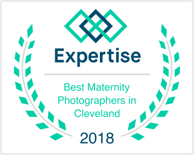 expertise.com // best maternity photographers // Cleveland, Ohio // 2018 // Carrie Hall Photography