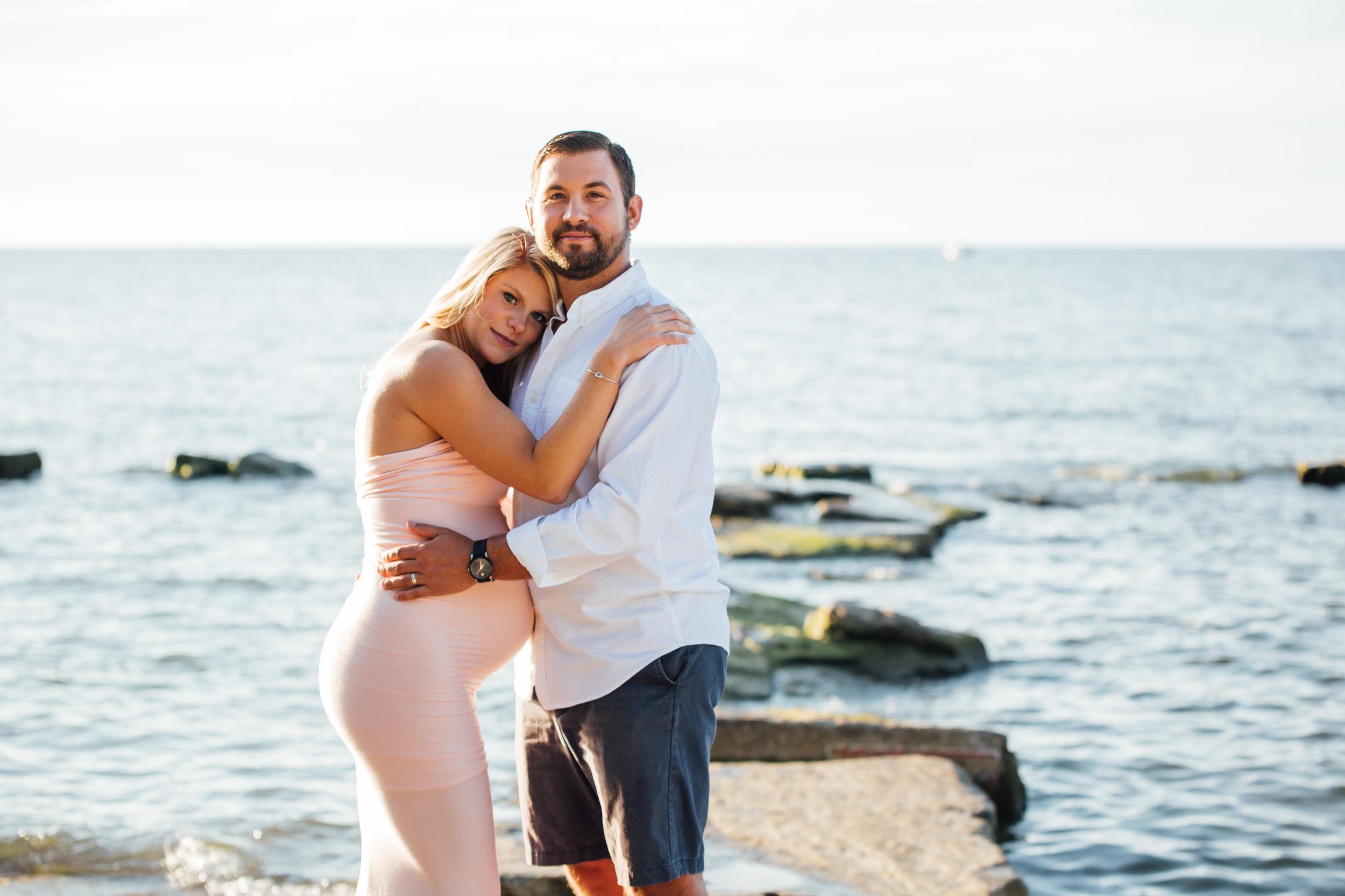 Carrie Hall Photography // Cleveland, Ohio // Lifestyle Maternity Photographer
