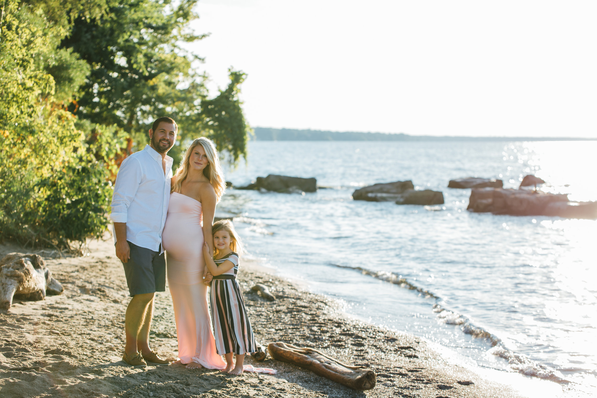 Carrie Hall Photography // Cleveland, Ohio // Lifestyle Maternity Photographer
