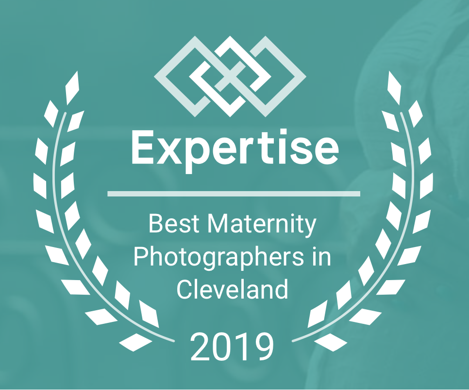 expertise.com // 2019 Top Maternity Photographers Cleveland // Carrie Hall Photography