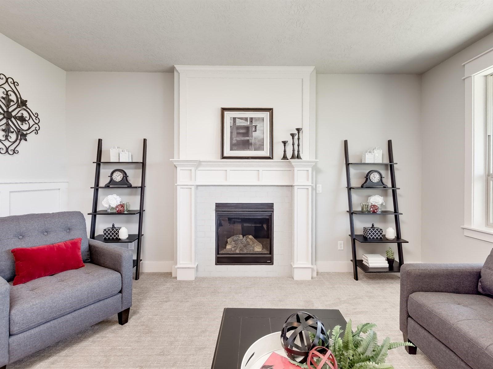 015_Living Room .jpg