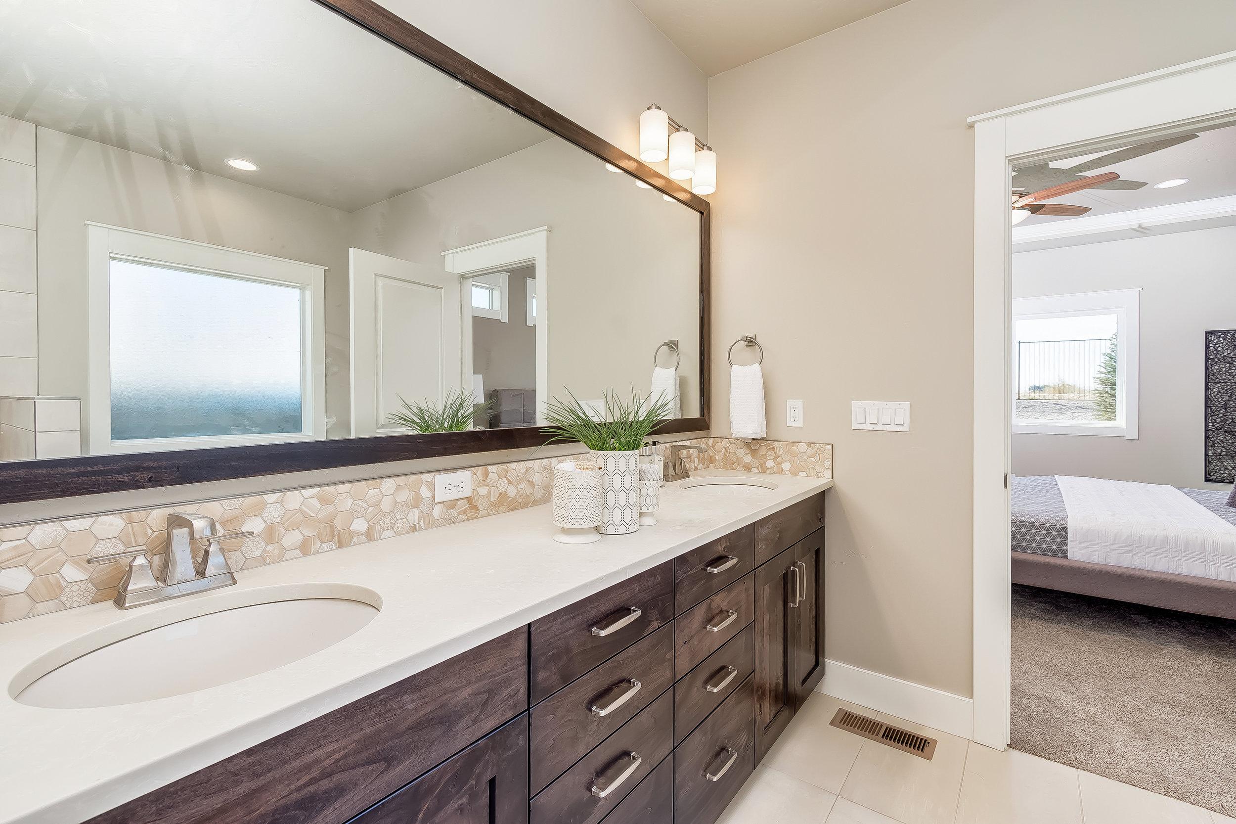 029_Master Bathroom .jpg