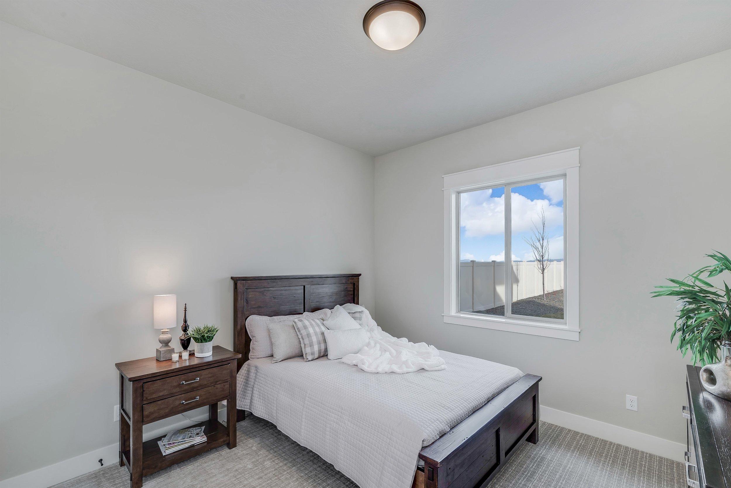 049_Bedroom.jpg