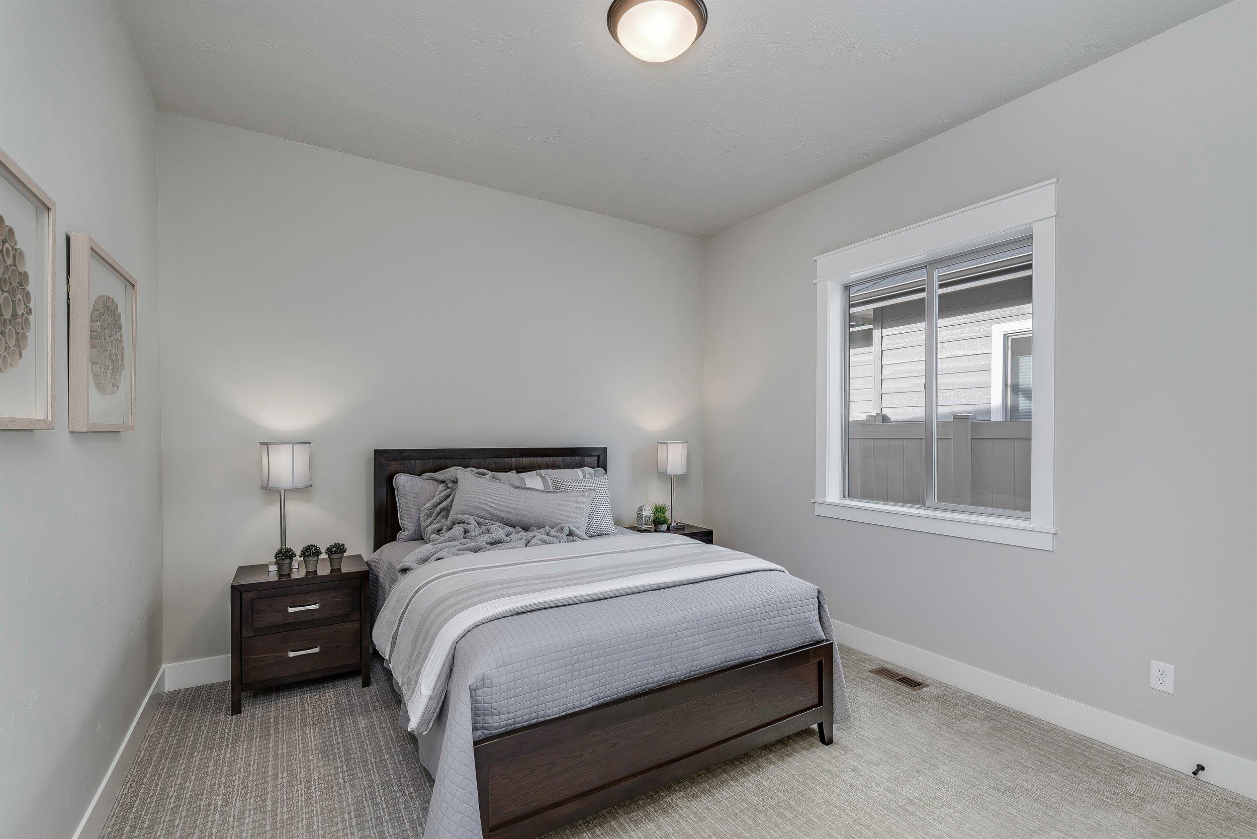 048_Bedroom.jpg