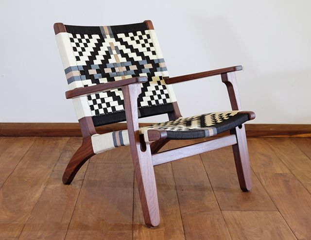 Don't forget your favorite patterns also come in an Arm Chair! Same incredibly sturdy frame, same beautiful precious hardwood, and of course, always hand made with mucho amor ❤️