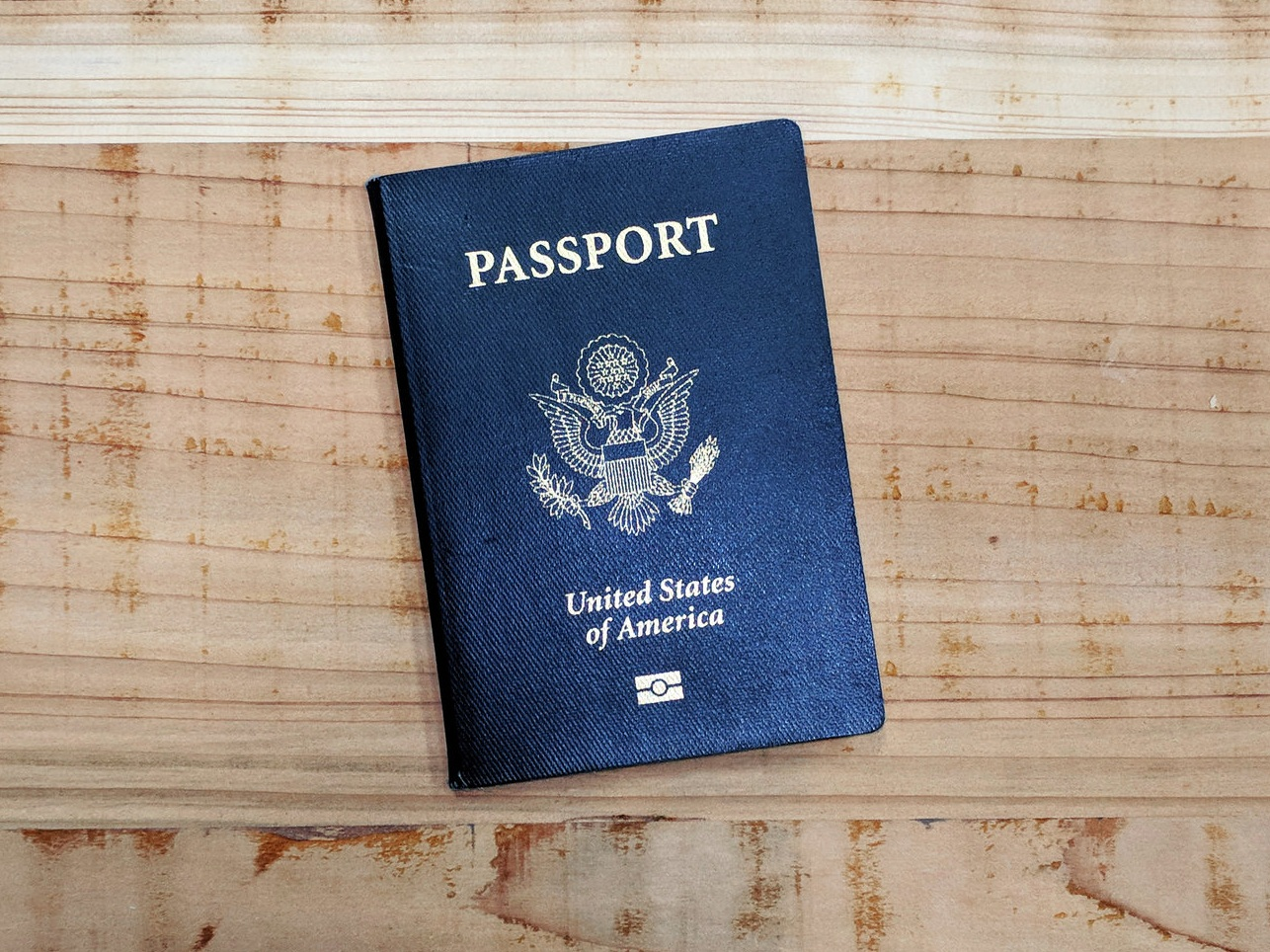 Should I renew my Green Card of apply for Naturalization? - The cost difference is only $185 - what is the right decision for you?