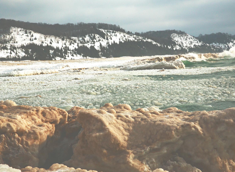 elberta ice shoreline.jpg