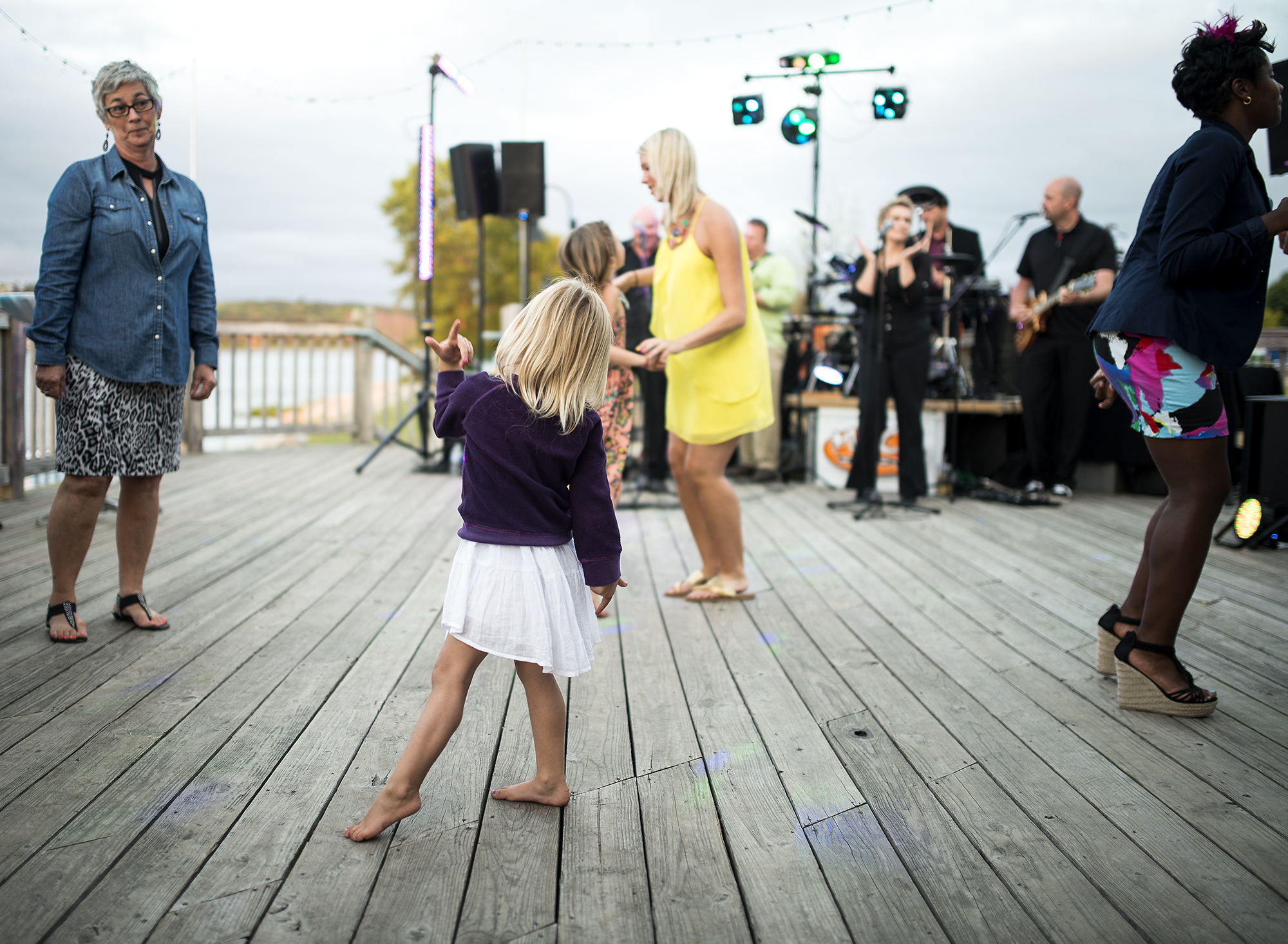 flower girl dance floor #1(WEB).jpg