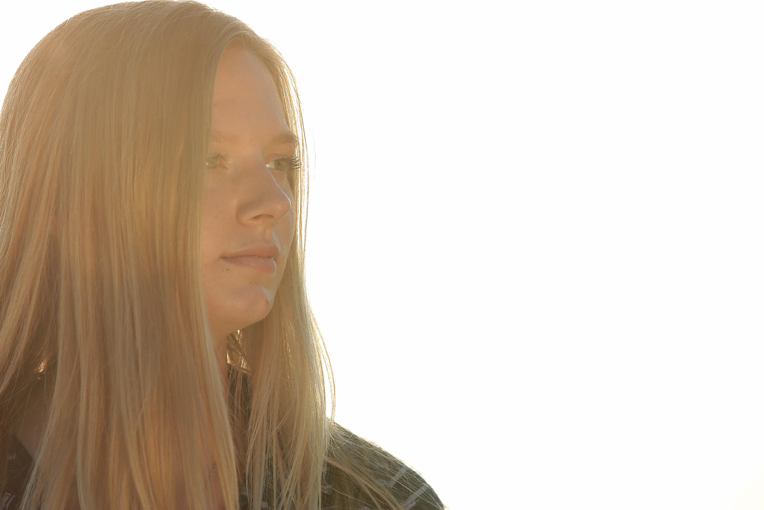 daughter lens flare #2(WEB).jpg