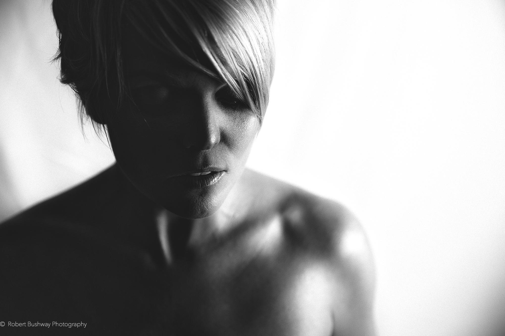 megan portrait(b&W)(WEB)(copyright).jpg