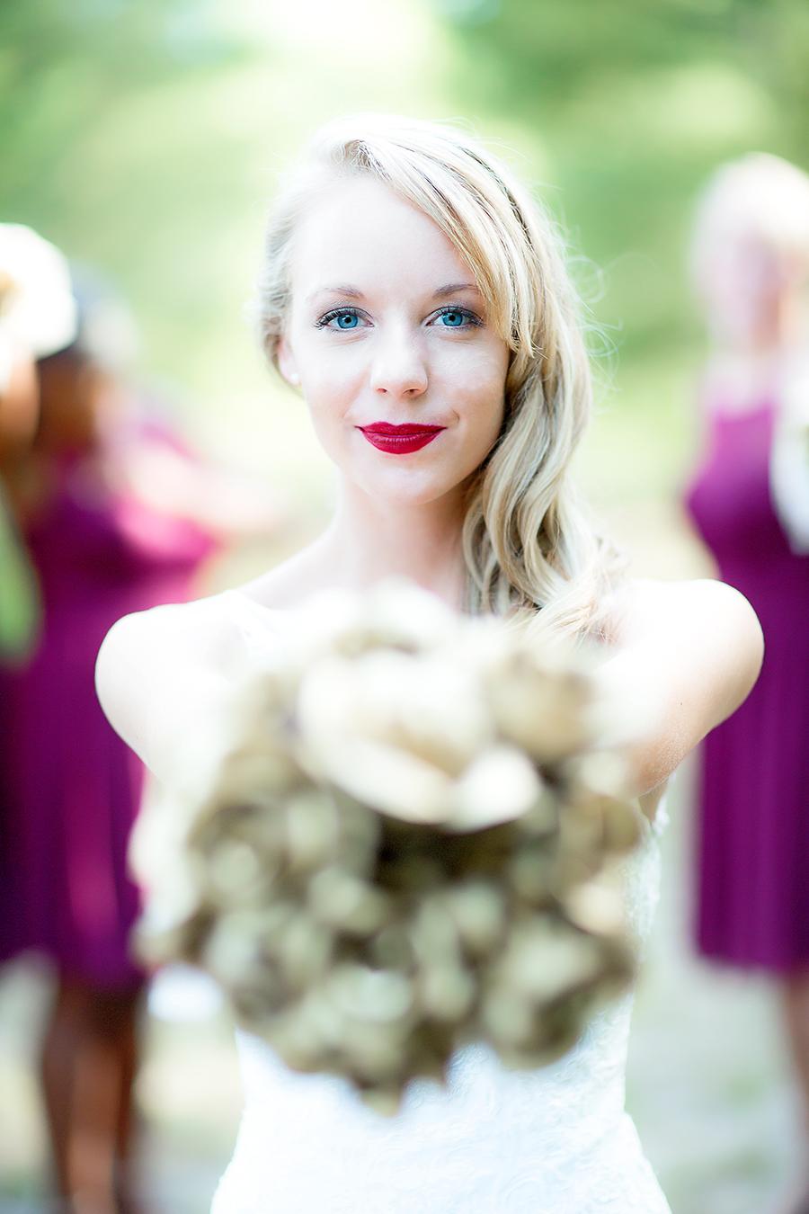 bouquet & blue eyes(WEB).jpg
