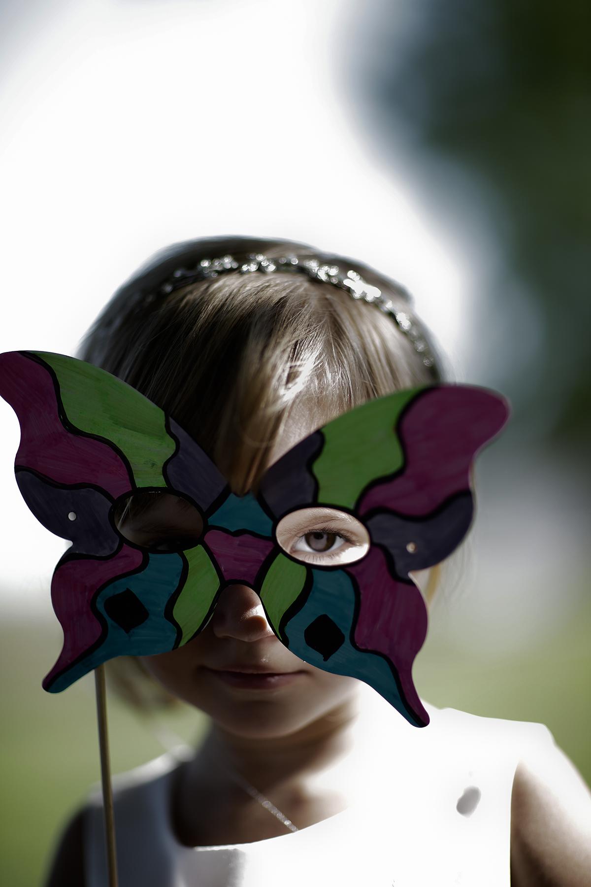 mask in dark contrast light(WEB).jpg