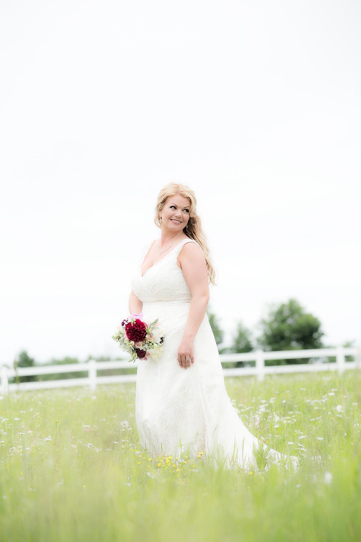 bride solo field(softened)#1(WEB).jpg
