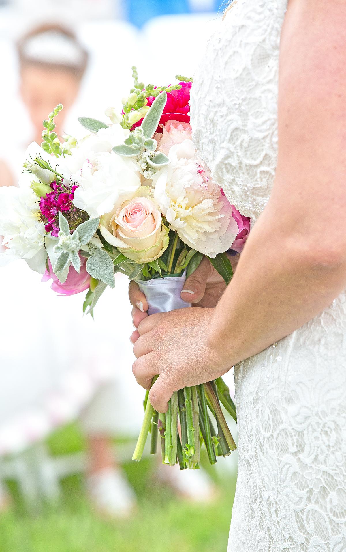 bride & flowers(WEB).jpg