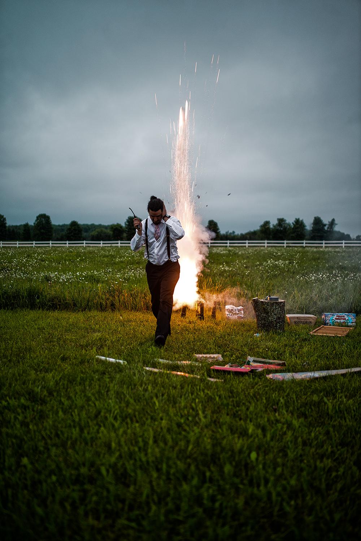 ear firework(WEB).jpg