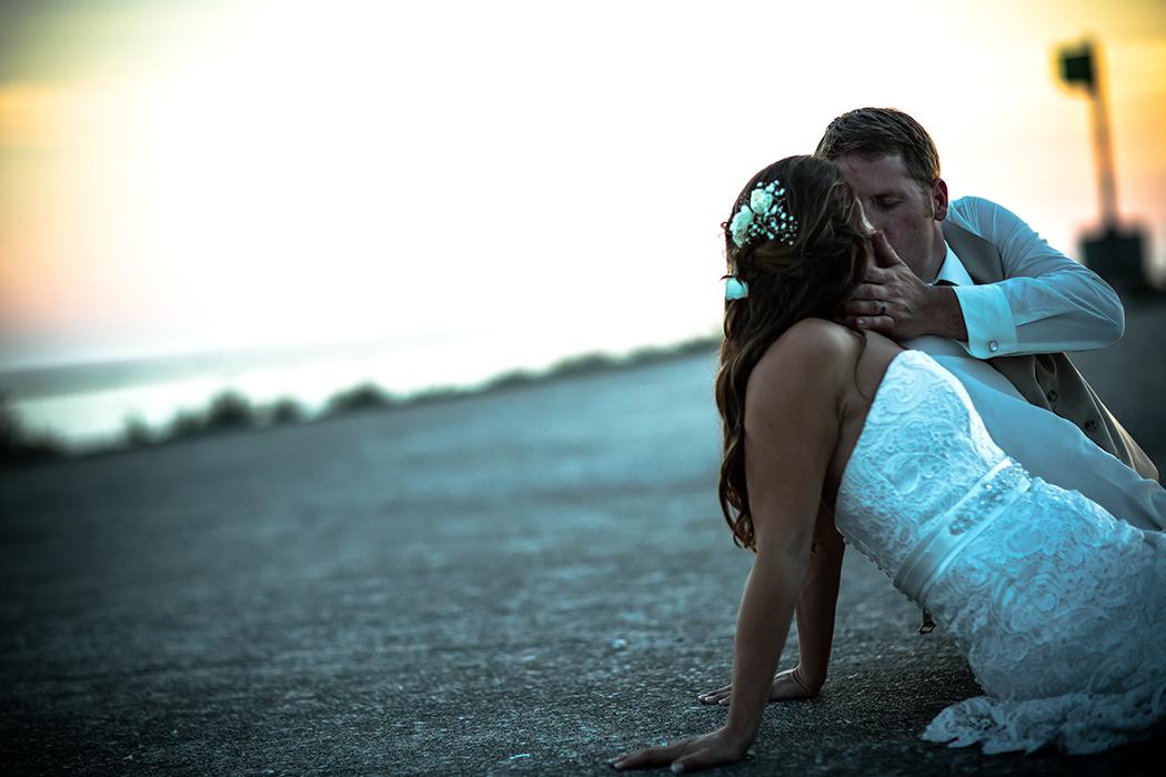 kiss her on the stubby(WEB).jpg