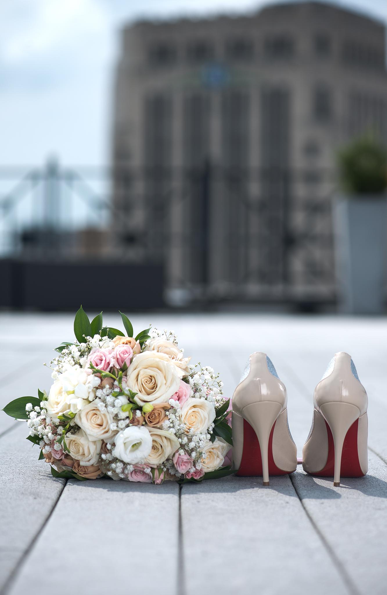 heels to roses(WEB).jpg
