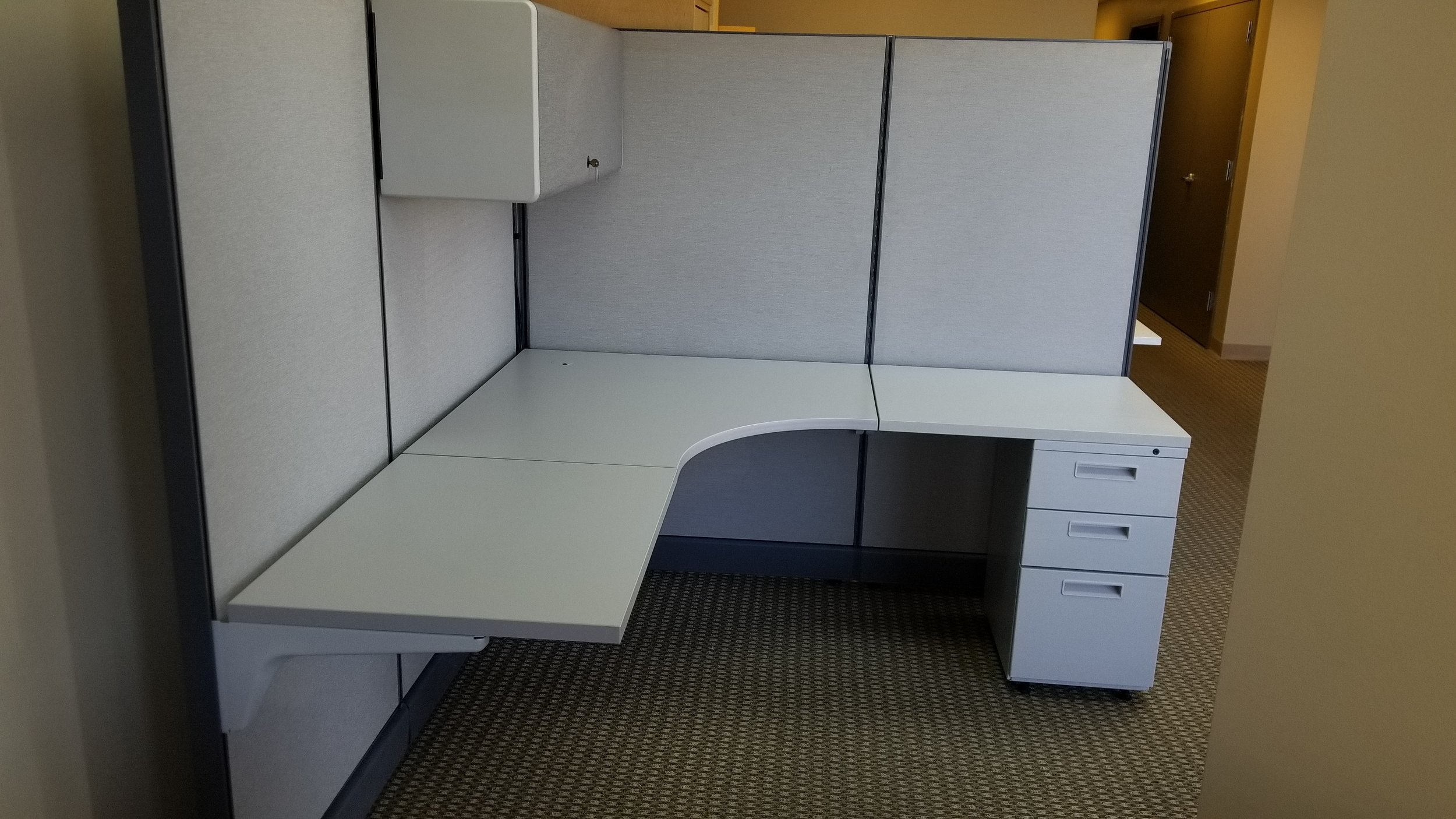 USED Herman MIller Action Office