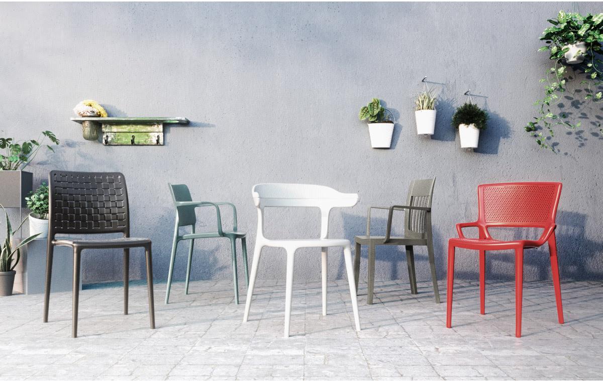 5 outdoor seating.jpg