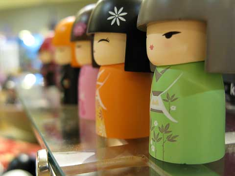 Kokeshi chorus line