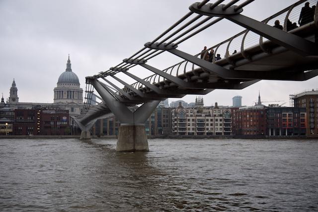 Millennium Bridge, St. Paul's Cathedral on the far side