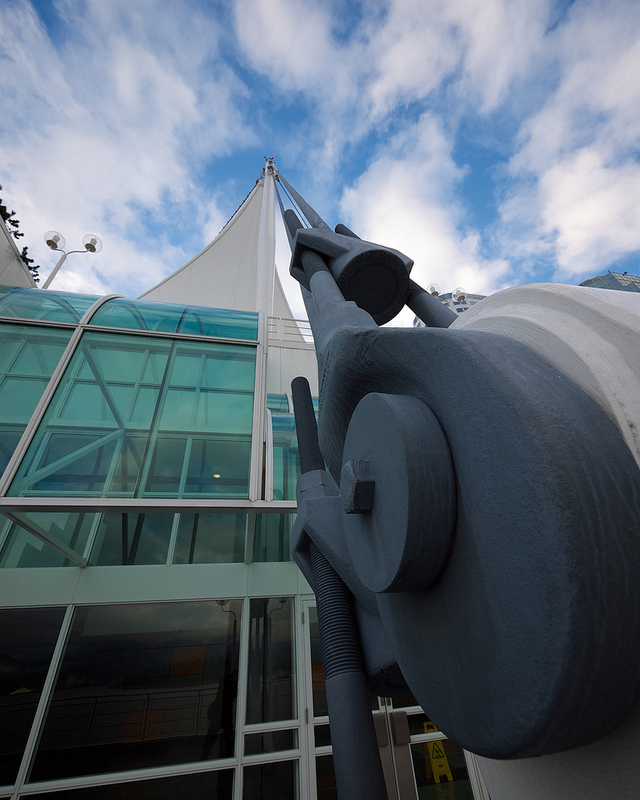 Canada Place cable mount