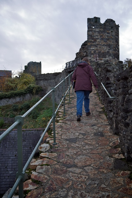 Walking the Conwy town walls up to the Watchtower