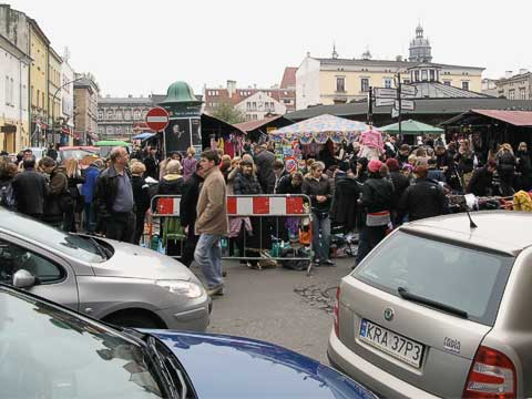 Also in Kazimierz was its very hopping Market Square (Plac Nowy). It was so crowded that it was difficult to pass from one side to the other. Most of the stalls seemed to selling wares you'd see in a flea market.
