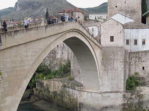 People crossing Old Bridge