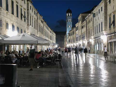 The Stradun looking west, towards the Pile Gate. Even late at night there's a lot of activity on the street.
