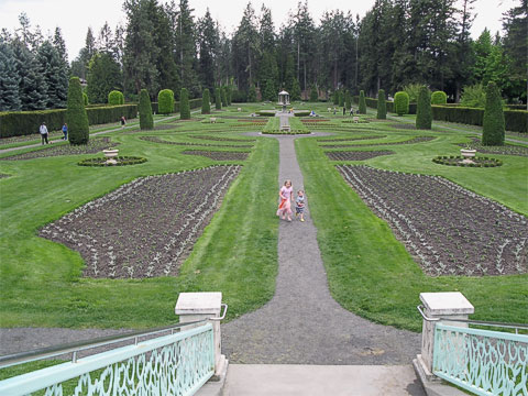 Duncan Garden is one of the formal gardens in the park.