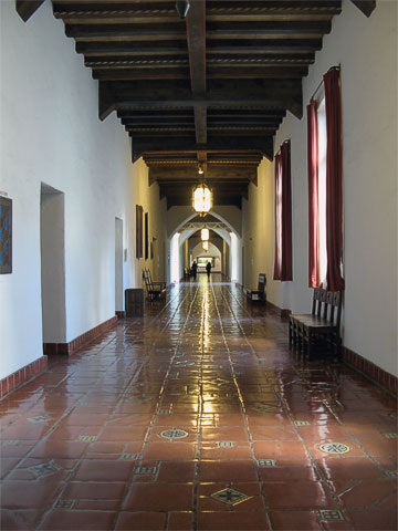 One of the main hallways in the courthouse.