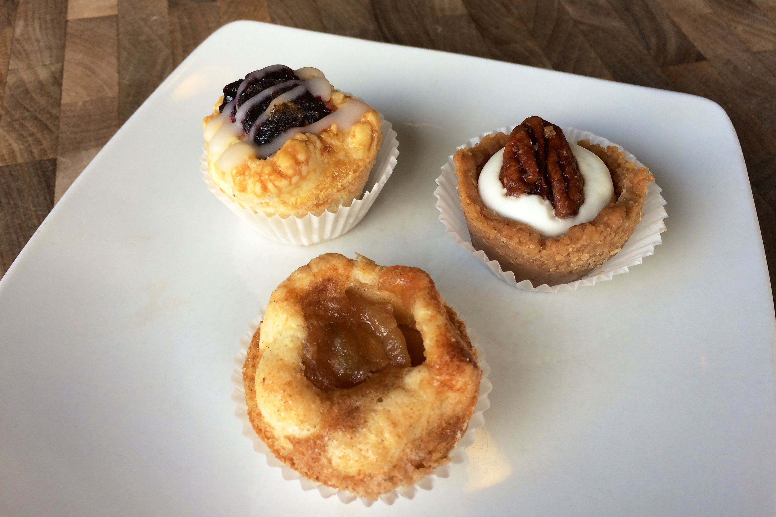 A La Mode Pies: marionberry, pumpkin, and pear apple ginger Pie Babies