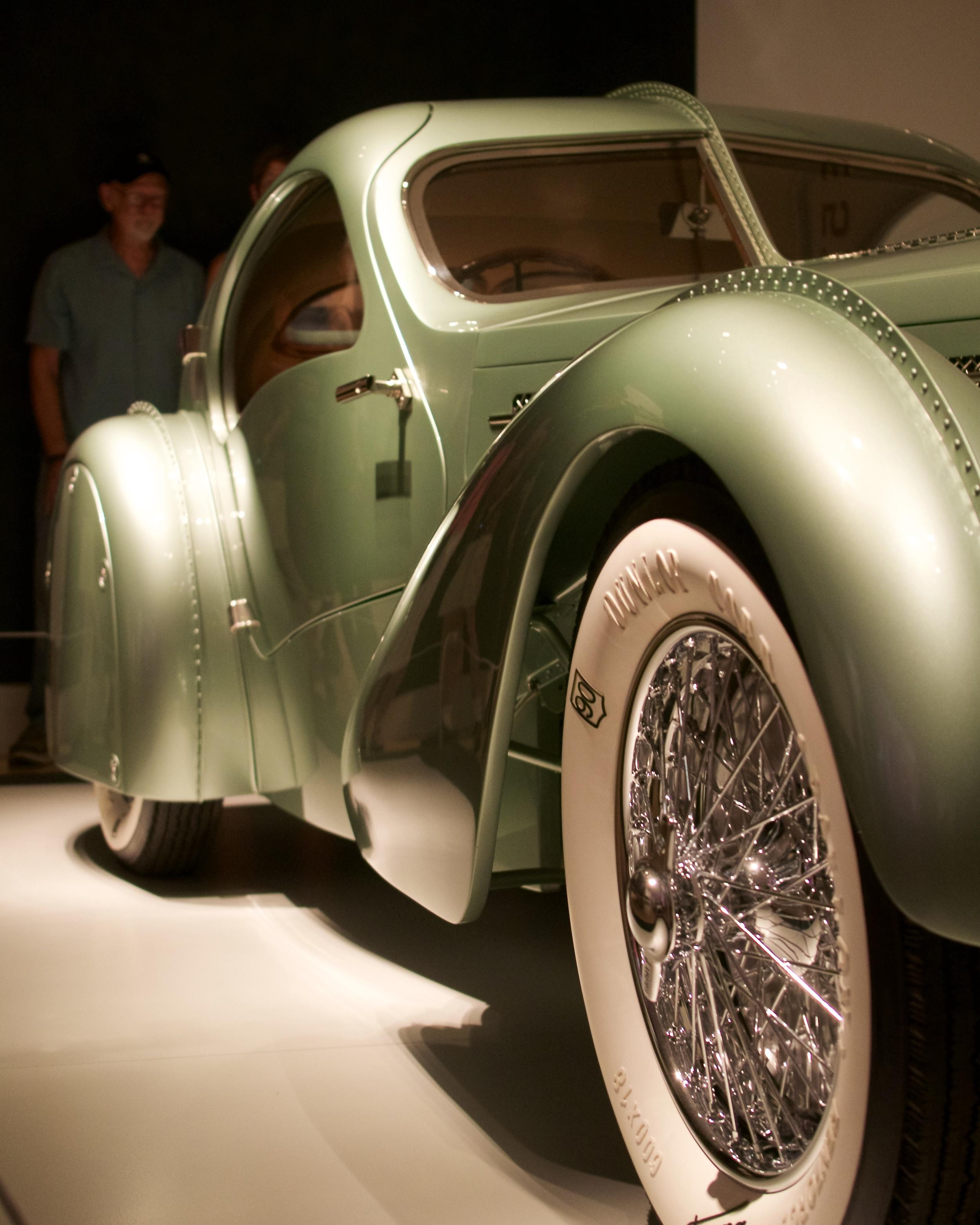 1935 Bugatti, Type 57 Compétition Coupé Aerolithe (2007 recreation)