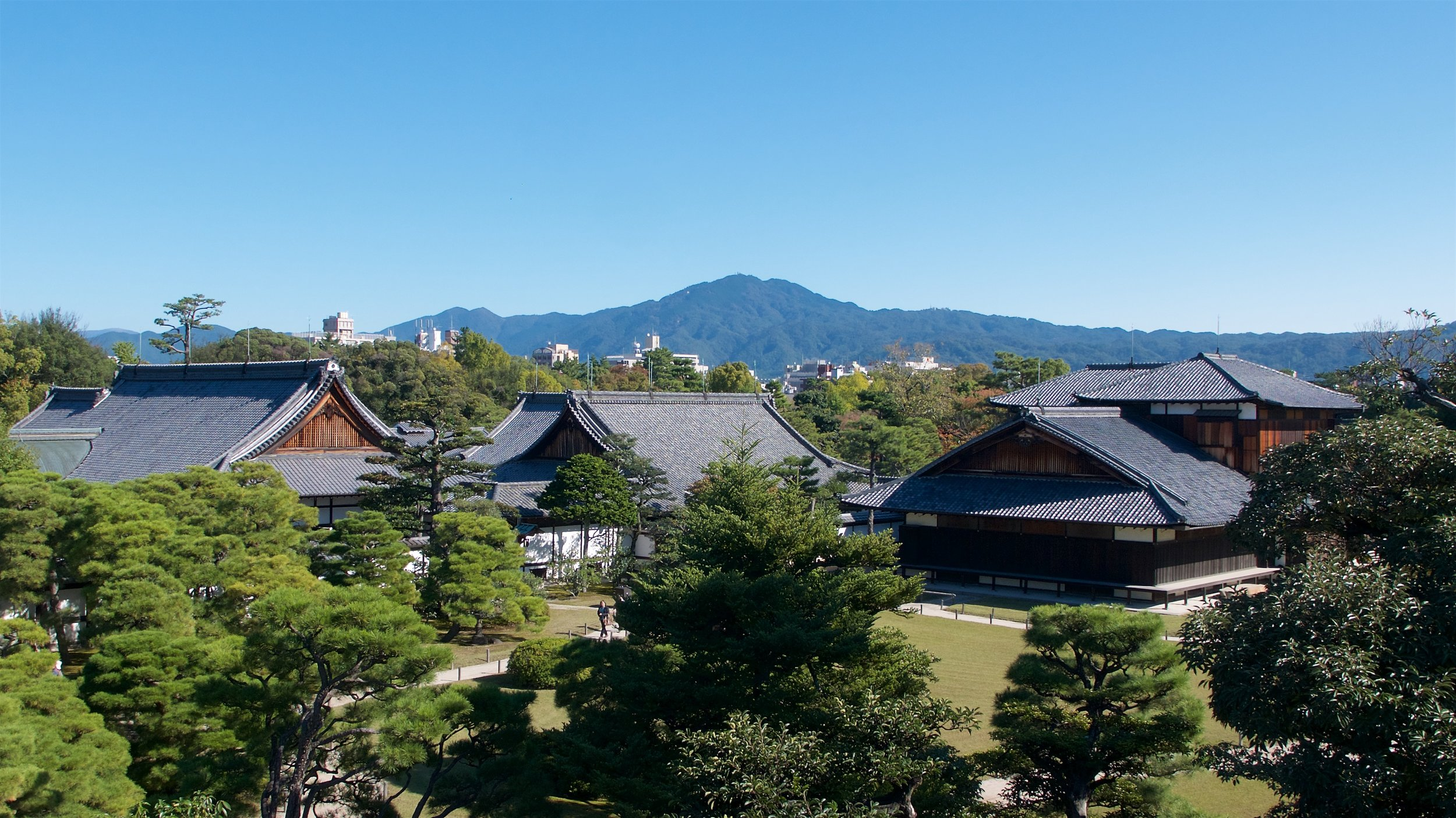 View of Honmaru Palace from the donjon
