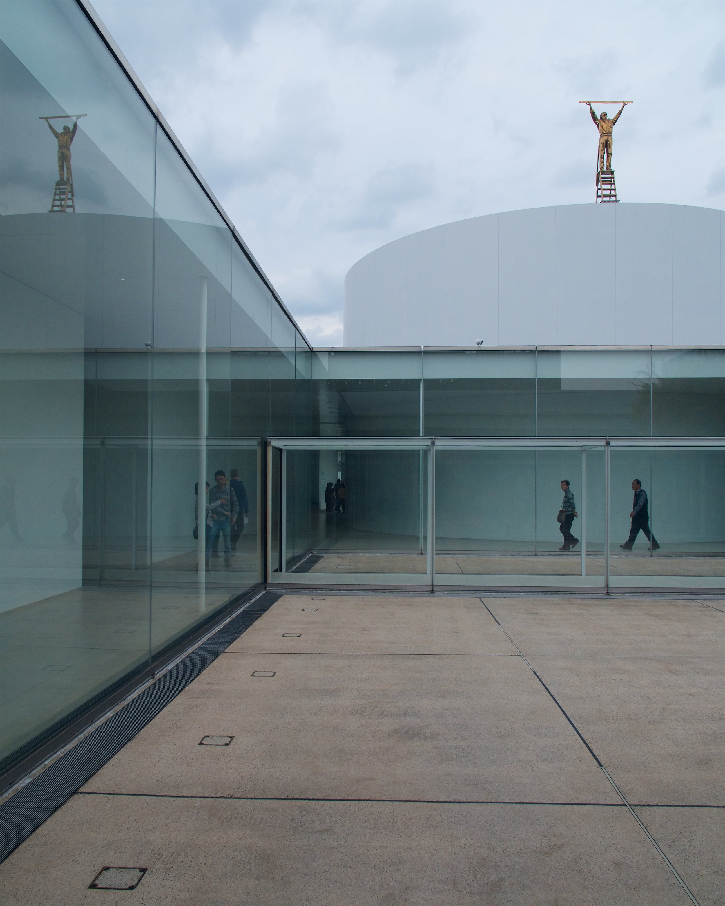 The Man Who Measures The Clouds, Jan Fabre