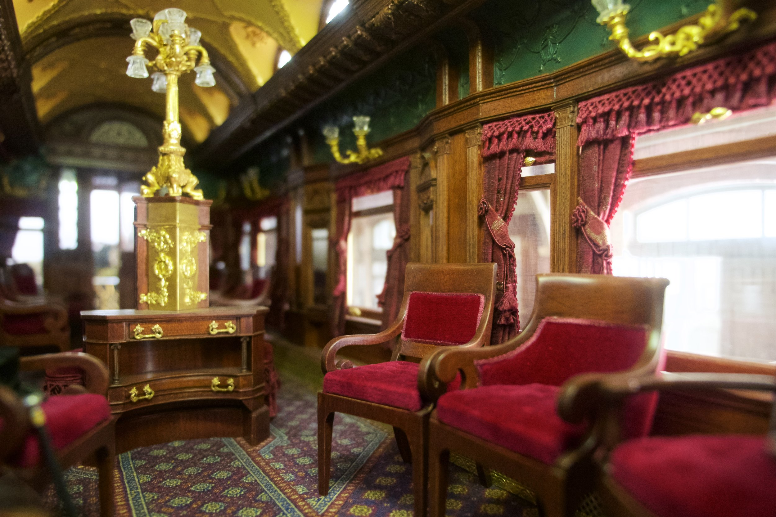 Pullman observation car, miniature rooms gallery