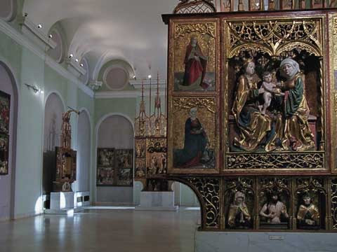 Winged altars at Hungarian National Gallery