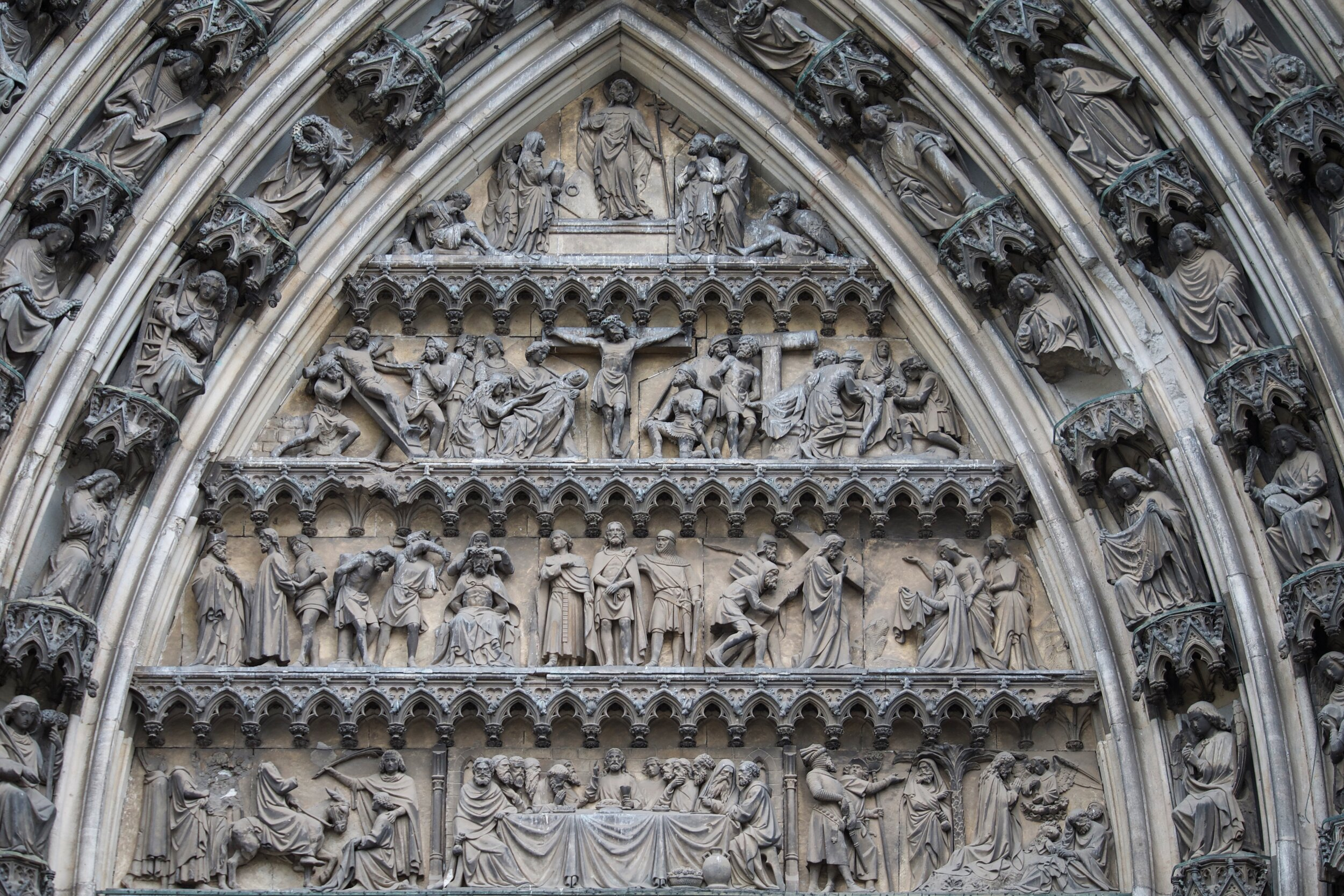Doorway arch on Cologne Cathedral