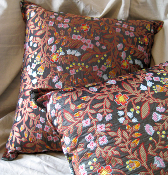 Pair of Silk Pillows 22x22.jpg