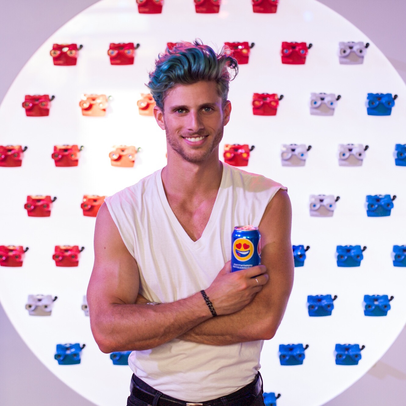 Had some fun with Pepsi at the installation in Soho as they look at love through history!