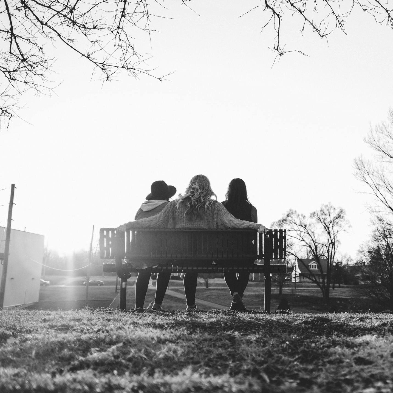 beauty-in-nature-bench-best-friends-2645707.jpg