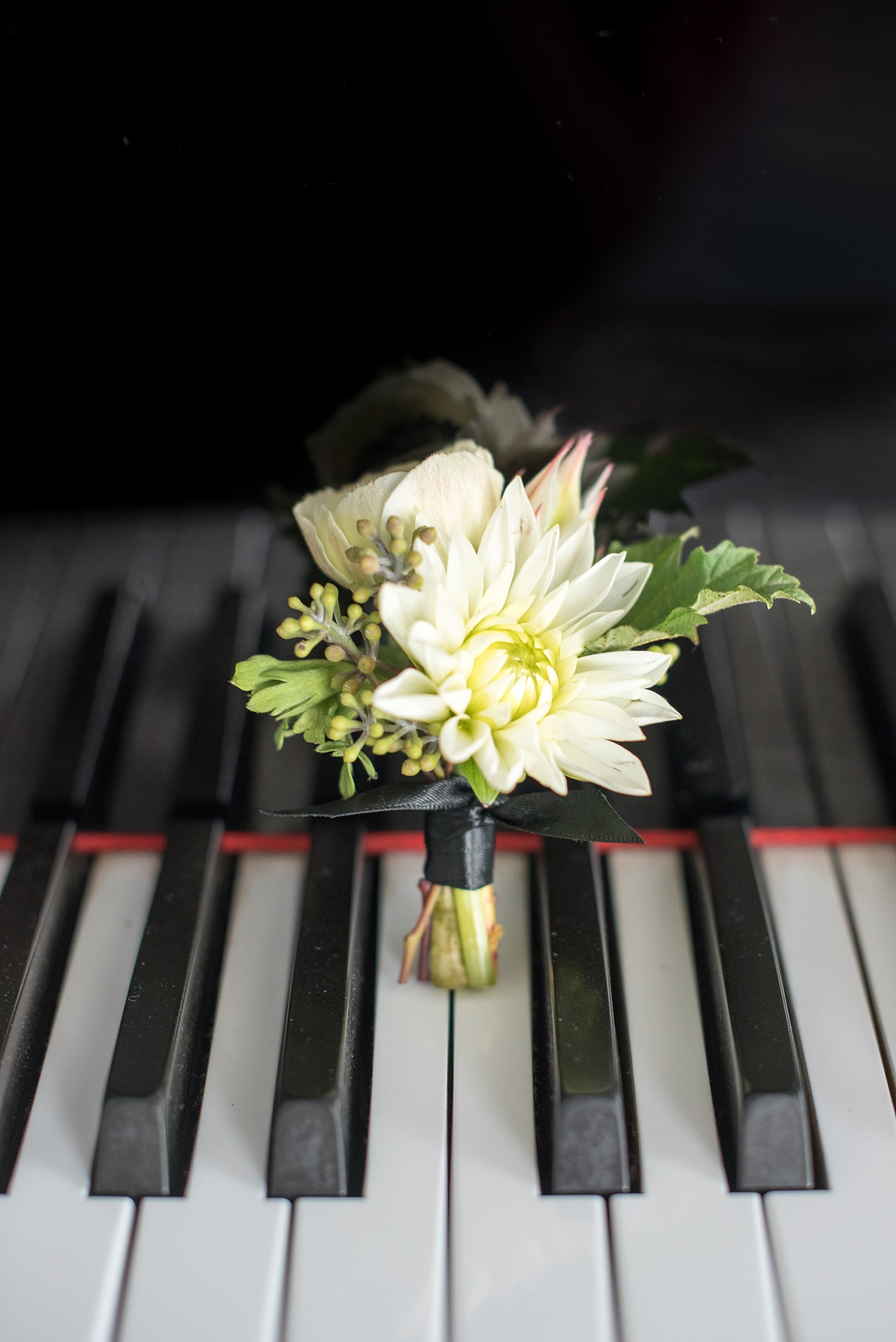 mikkelpaige-full_aperture_floral-pearl_river_hilton_wedding_0005.jpg
