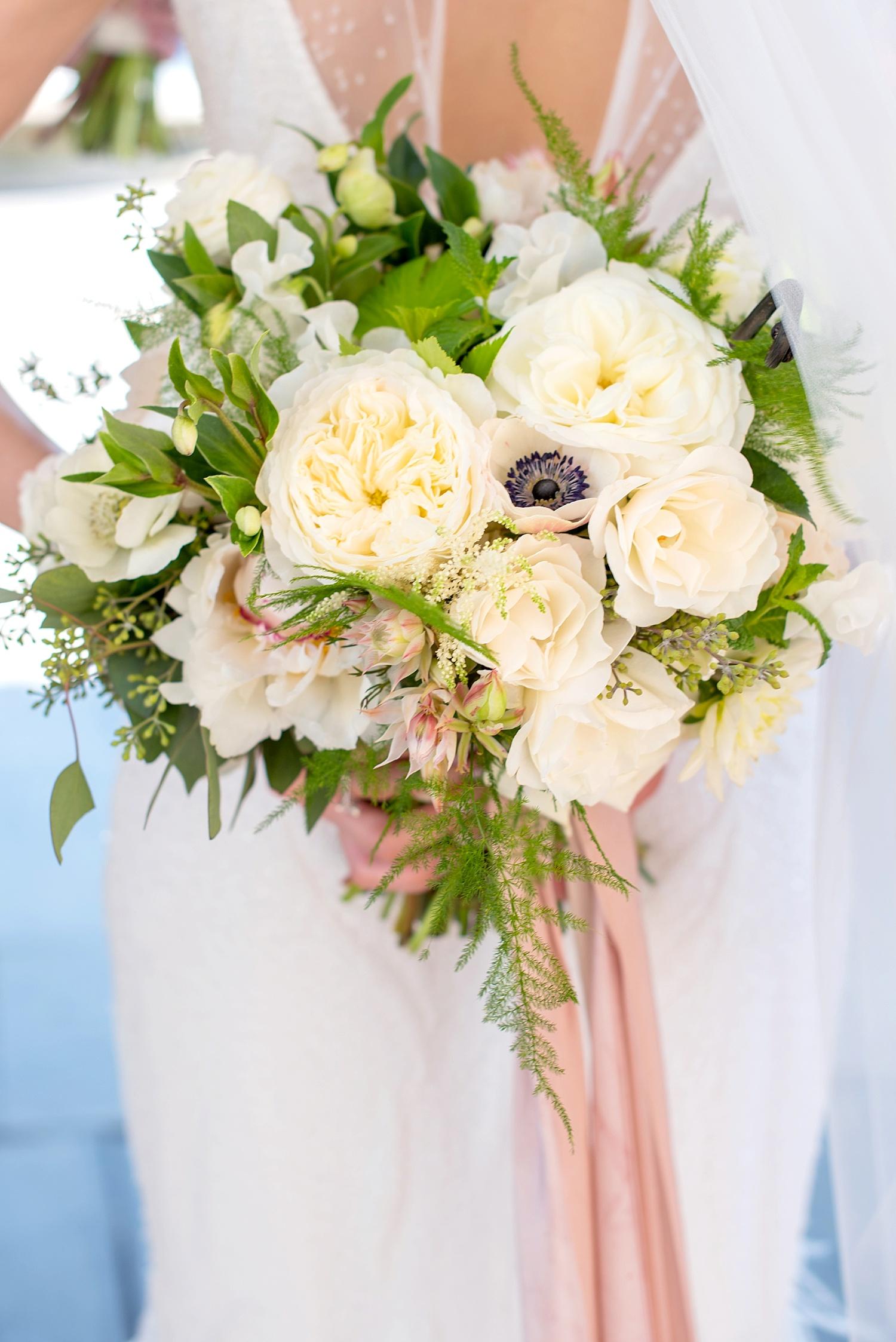mikkelpaige-full_aperture_floral-pearl_river_hilton_wedding_0010.jpg