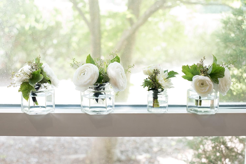 mikkelpaige-full_aperture_floral-pearl_river_hilton_wedding_0017.jpg