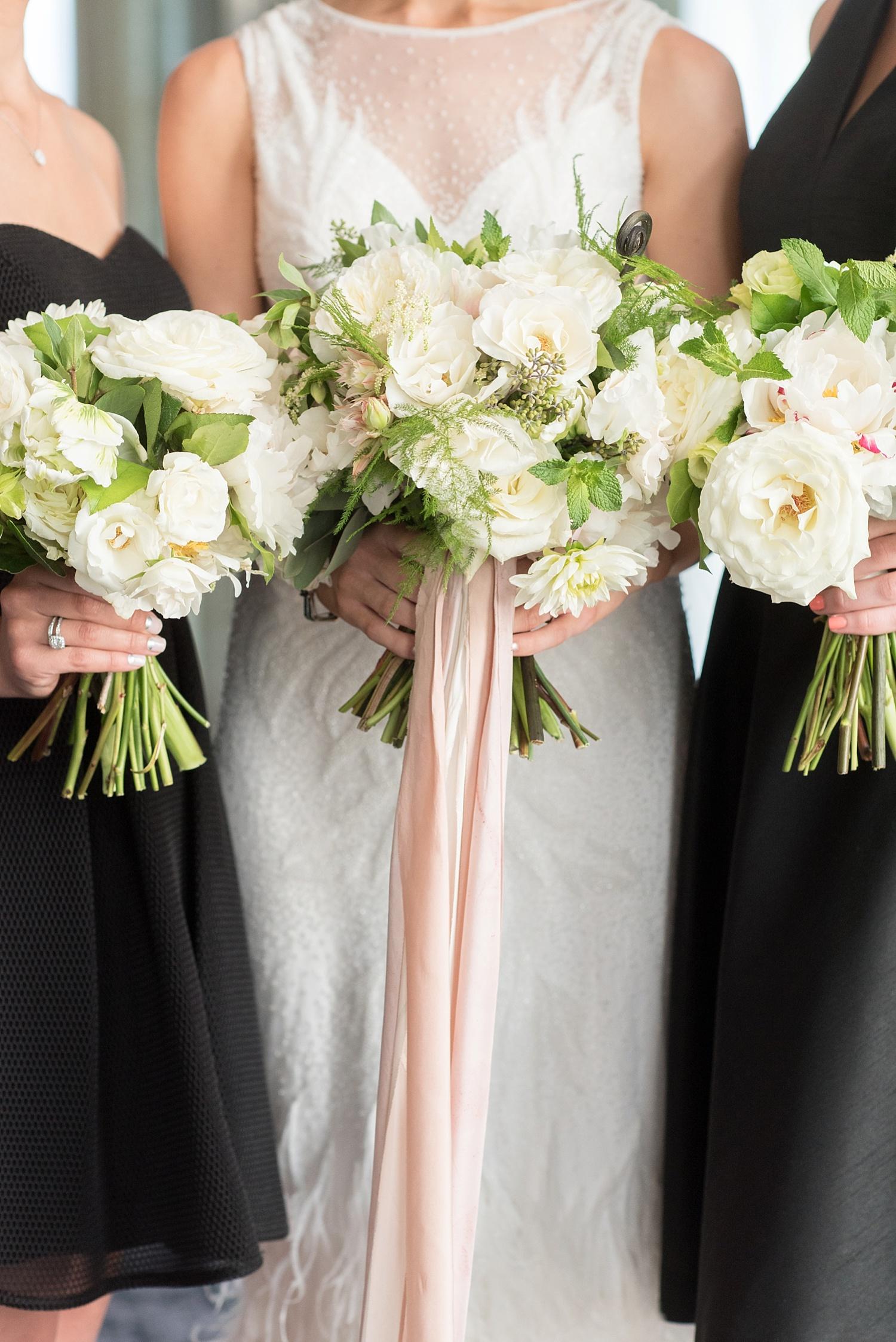 mikkelpaige-full_aperture_floral-pearl_river_hilton_wedding_0019.jpg