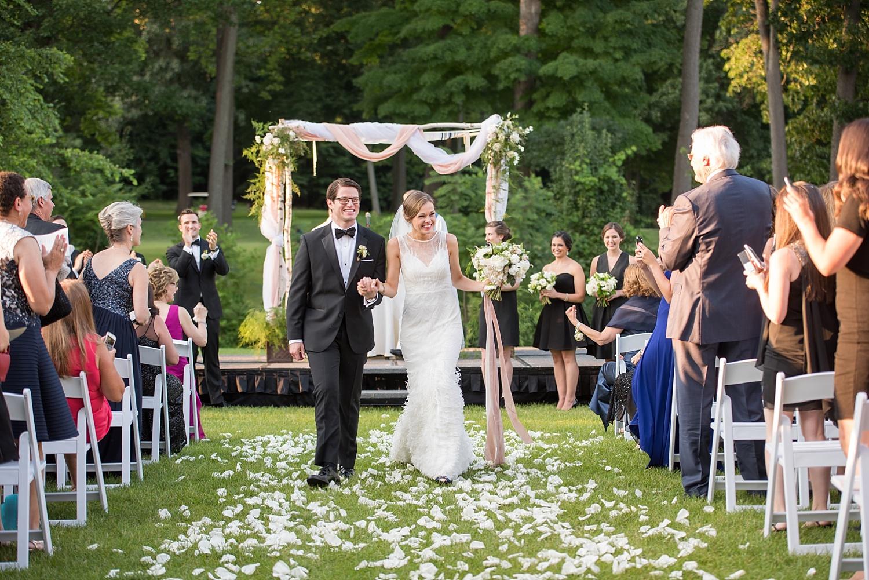 mikkelpaige-full_aperture_floral-pearl_river_hilton_wedding_0024.jpg